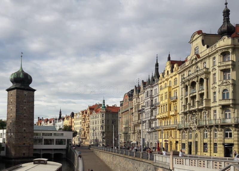 布拉格捷克美好的建筑学街道视图  免版税库存图片