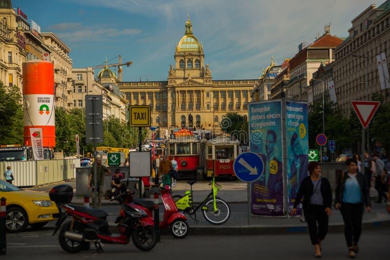 布拉格,捷克:国家博物馆的美丽的大厦在布拉格 新新生国家博物馆大厦 免版税库存图片