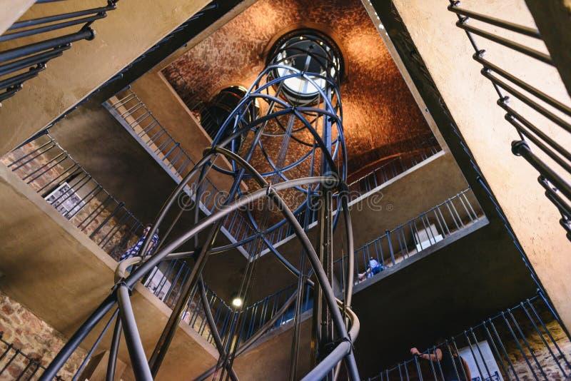 布拉格,捷克- 2017年5月:在布拉格Ast里面的电梯 库存图片
