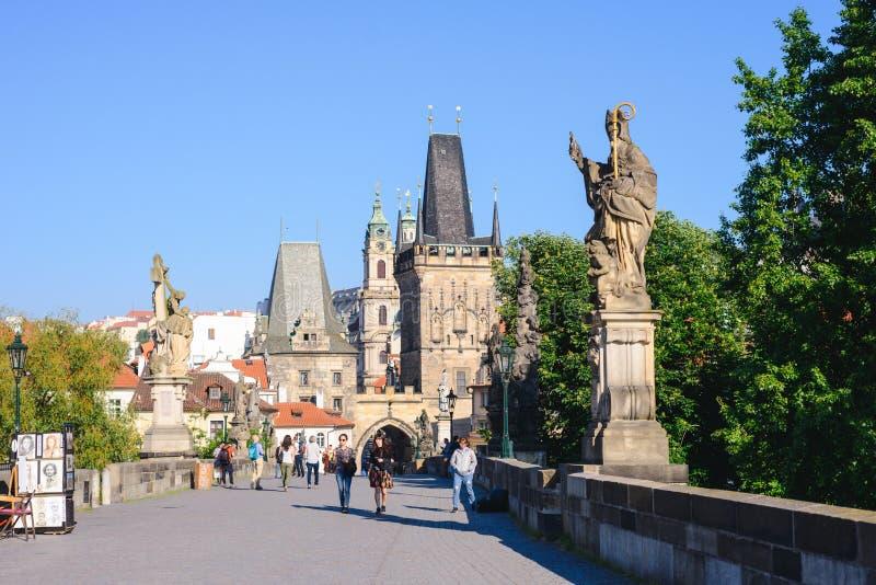 布拉格,捷克- 2017年5月:布拉格城堡是城堡复合体在布拉格,捷克 城堡是在多数visite中 库存照片