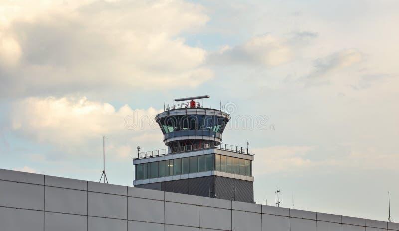 布拉格,捷克- 2018年7月28日, :空中交通管理 免版税库存照片