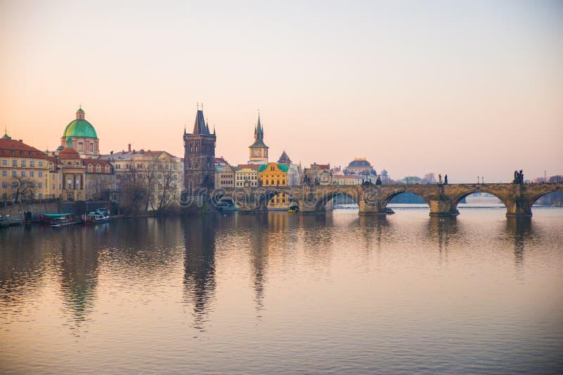 布拉格,捷克-比赛第25 2018年:查理大桥 库存图片