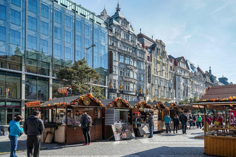 布拉格,捷克REPUBLIC/EUROPE - 9月24日:街市nea 免版税库存照片