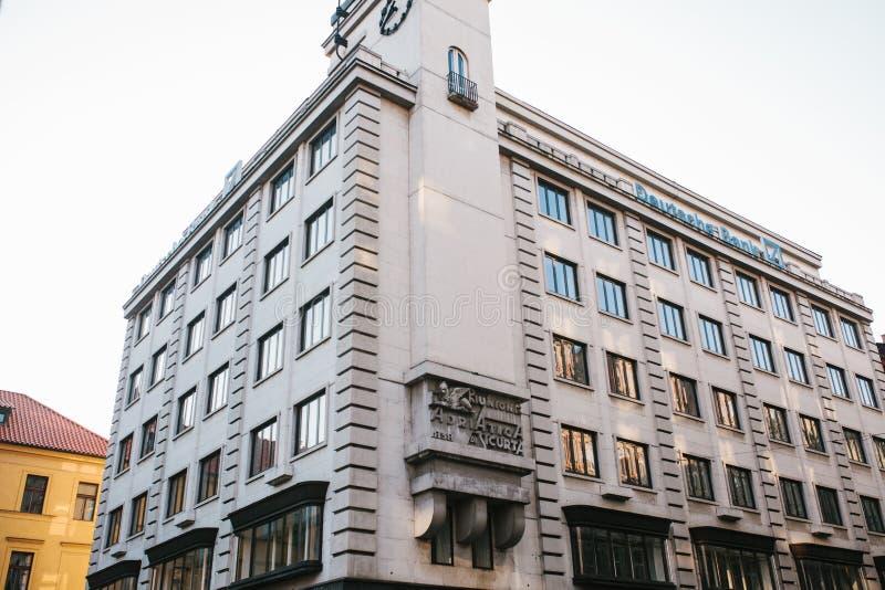 布拉格, 2017年9月21日:德意志银行的大厦 德语德意志银行的表示法 免版税库存照片