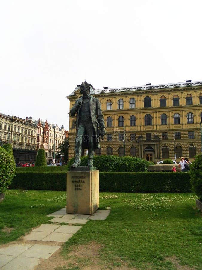 布拉格 对作曲家Antonin德沃夏克的纪念碑 免版税库存照片