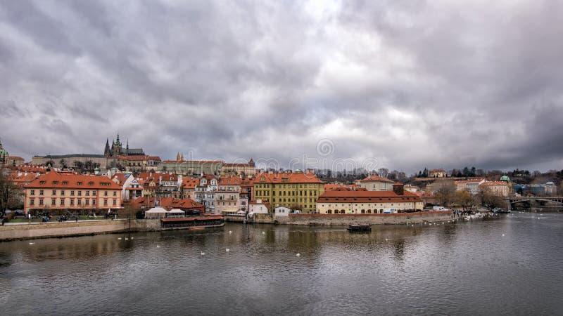 布拉格 布拉格城堡和圣维塔斯大教堂全景  图库摄影