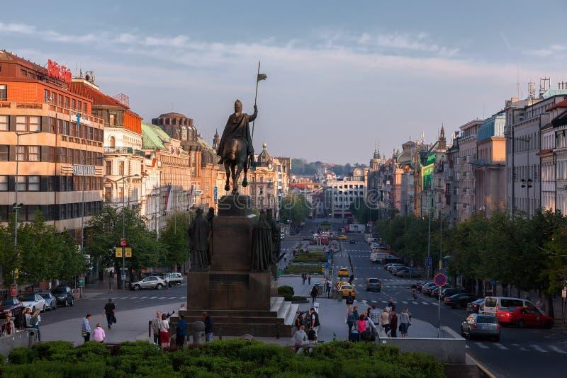 布拉格 瓦茨拉夫广场看法  cesky捷克krumlov中世纪老共和国城镇视图 免版税图库摄影