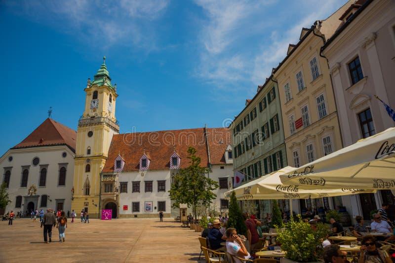 布拉索夫,斯洛伐克:Mestske Muzeum 奥尔德敦霍尔钟楼  布拉索夫大广场的市博物馆在布拉索夫 免版税库存图片