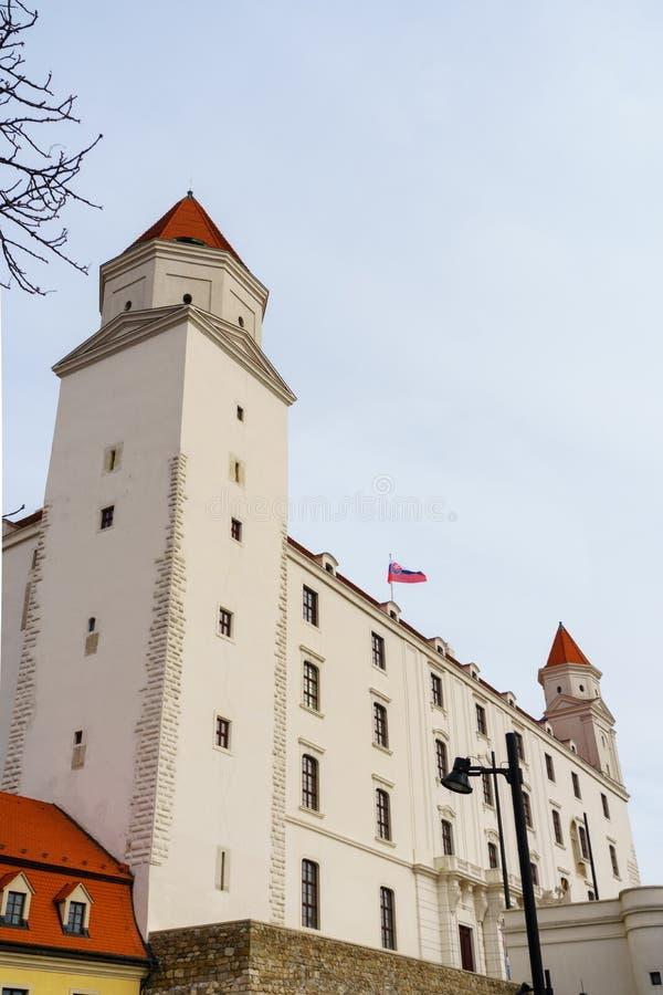 布拉索夫,斯洛伐克2019年1月20日:布拉索夫城堡在一个冬天早晨 图库摄影
