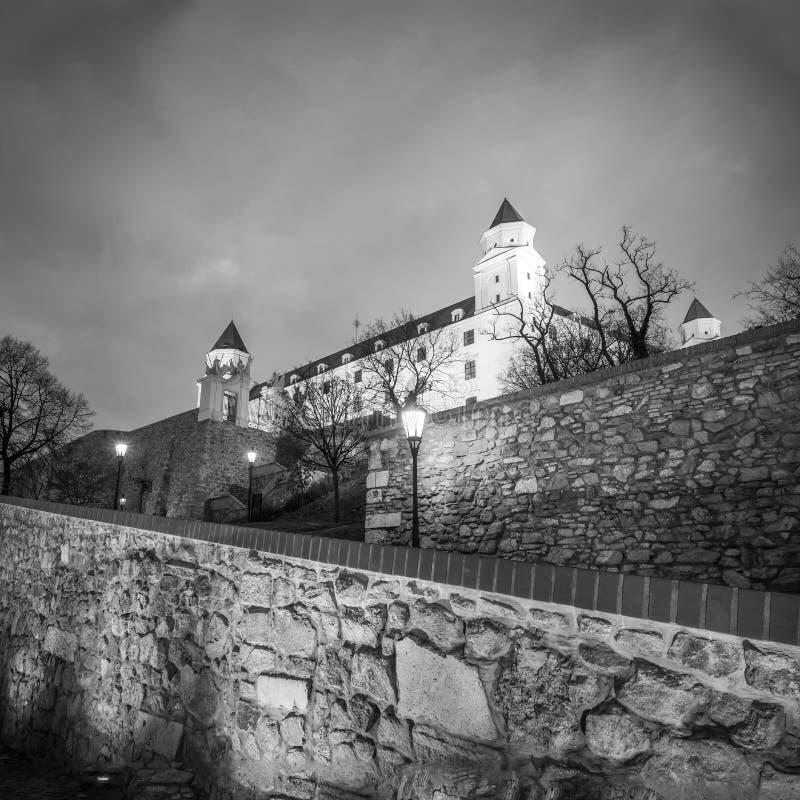 布拉索夫城堡在黑白版本的晚上 免版税库存照片