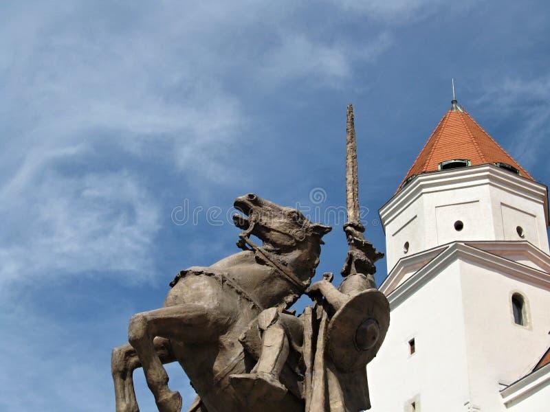 布拉索夫城堡-与Svätopluk雕象  库存图片