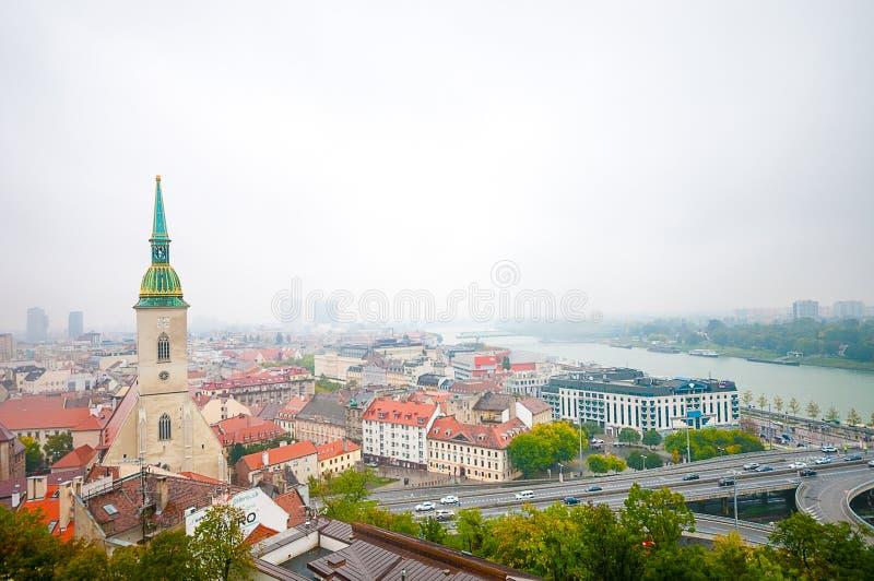 Download 布拉索夫,斯洛伐克- 2015年10月16日:StMartin大教堂和 编辑类照片 - 图片 包括有 旅行, 欧洲: 62539521