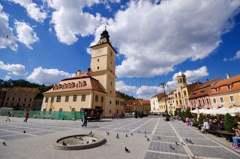 布拉索夫,罗马尼亚拥挤镇中心  库存照片