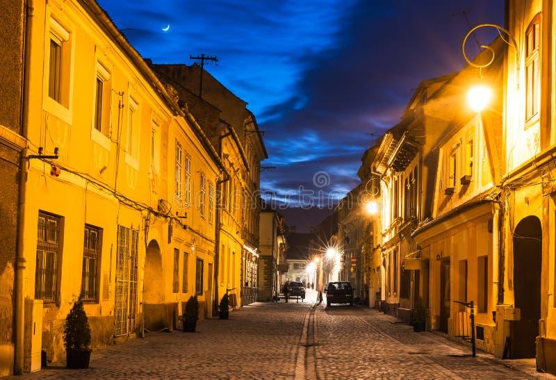 罗马尼亚时间_图片 包括有 旅行, 微明, 文化, 遗产, 罗马尼亚, 欧洲, 街市, 拱道