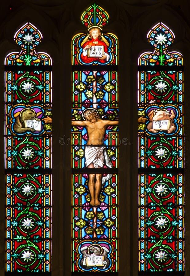 布拉索夫-在窗玻璃的在十字架上钉死从19。在cathdedral的圣Martins 库存照片