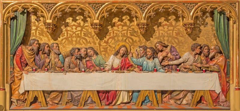 布拉索夫-基督场面最后的晚餐。在哥特式旁边法坛的被雕刻的安心在圣马丁大教堂里。 库存照片
