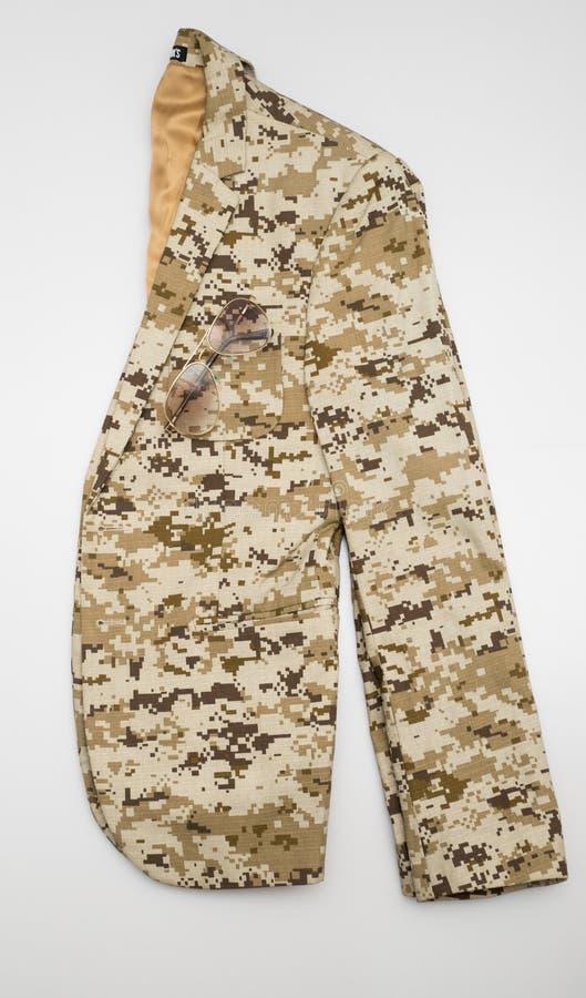 布朗军事camo衣服 免版税库存图片