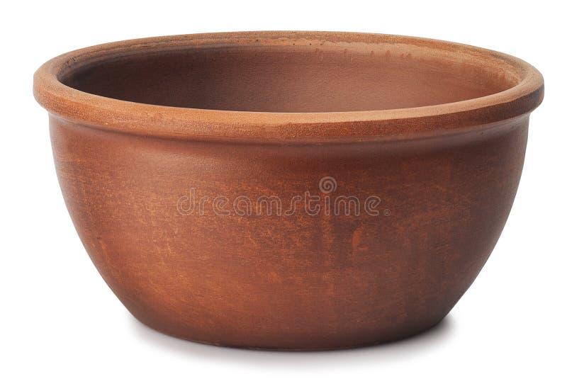 布朗在白色隔绝的黏土碗 免版税库存照片