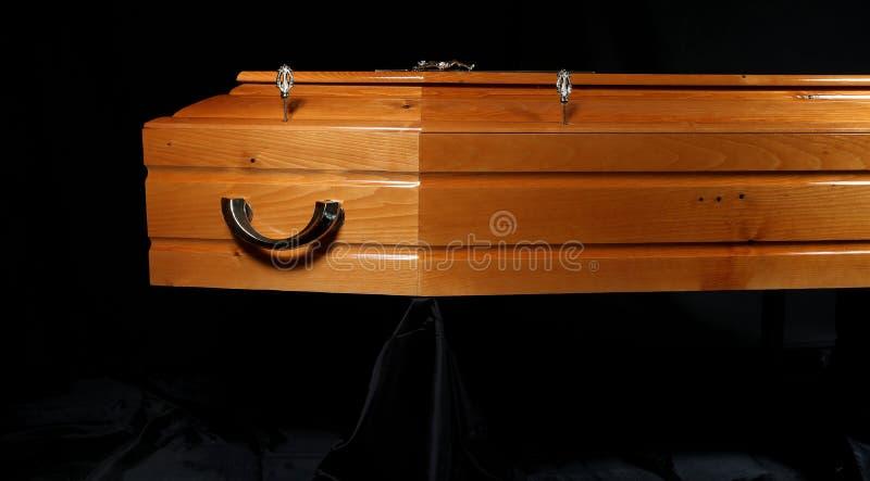 布朗棺材,特写镜头视图 库存图片