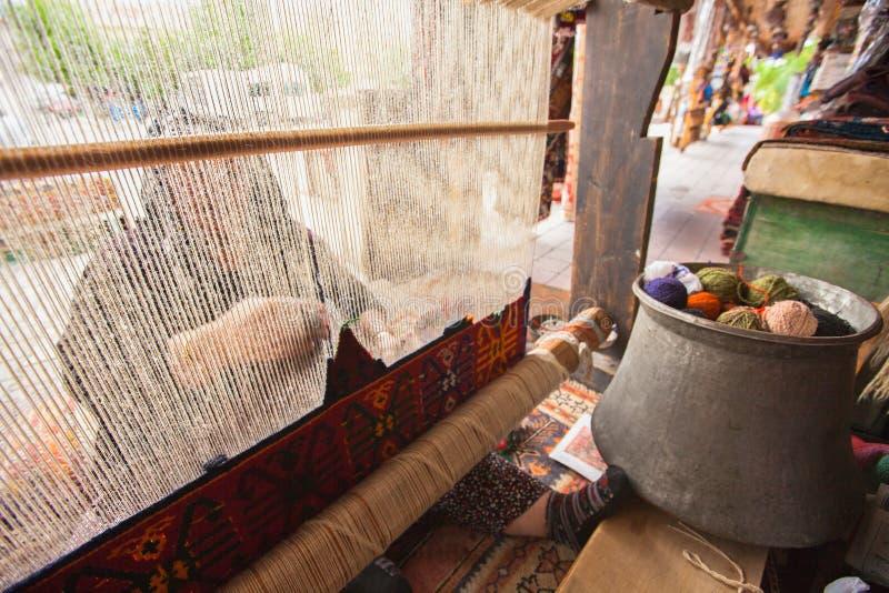 织布机地毯编织 库存照片
