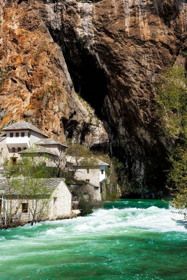 布纳河来源的伊斯兰教苦行僧修道院 库存照片