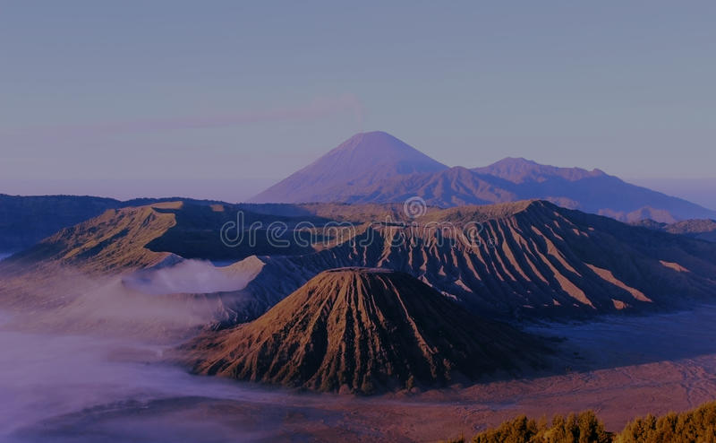 布罗莫火山腾格尔塞梅鲁火山 免版税库存图片