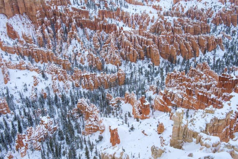 Download 布赖斯峡谷 库存照片. 图片 包括有 公园, 户外, 犹他, 红色, 岩石, 横向, 砂岩, 石头, 冬天 - 30328048