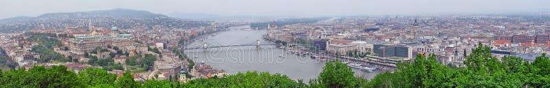 布达佩斯全景和多瑙河 免版税库存图片
