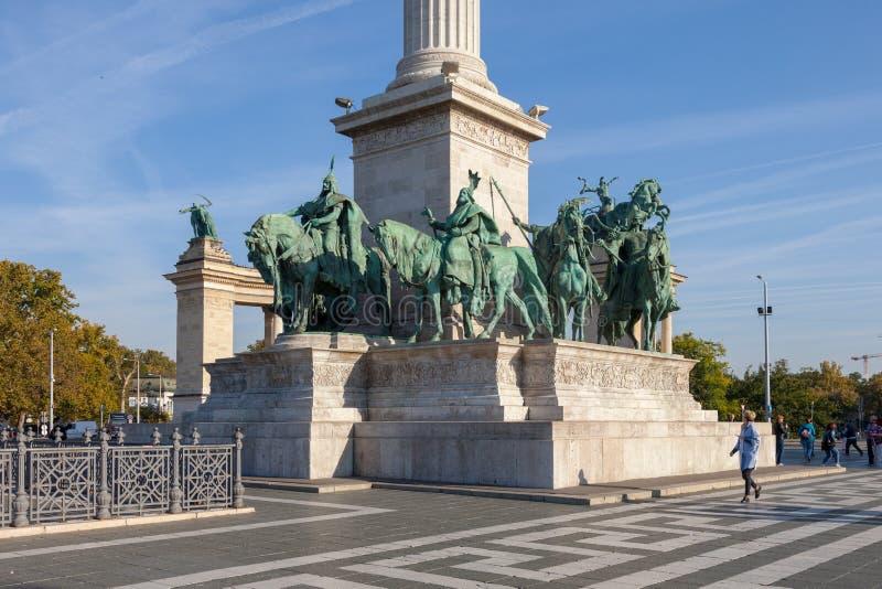 布达佩斯匈牙利 英雄的美丽的景色摆正 库存照片