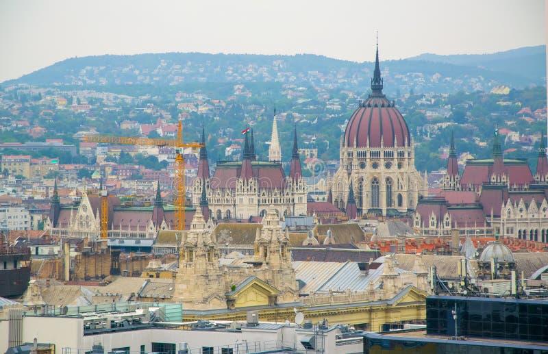 布达佩斯市在白天,匈牙利全景  免版税图库摄影