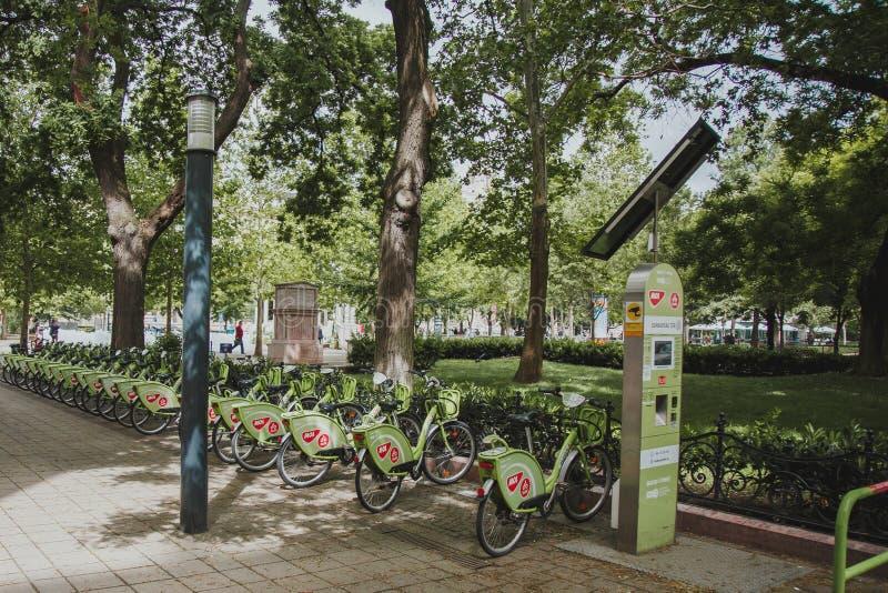 布达佩斯市自行车出租驻地 免版税图库摄影