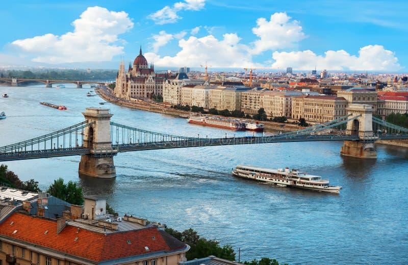 布达佩斯桥梁  库存照片