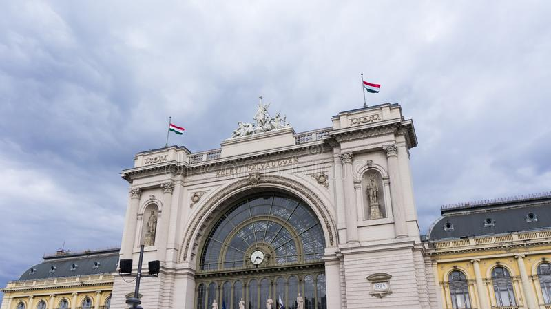 布达佩斯,匈牙利03 15 2019年 凯莱蒂火车站是布达佩斯的最繁忙的火车站 库存图片