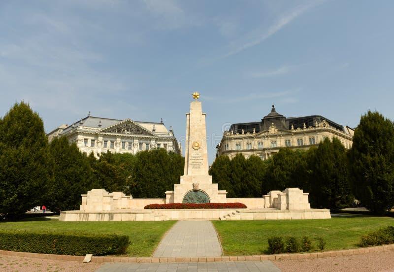 布达佩斯,匈牙利- 2018年8月30日:在自由广场的苏联战争纪念建筑在布达佩斯 库存照片