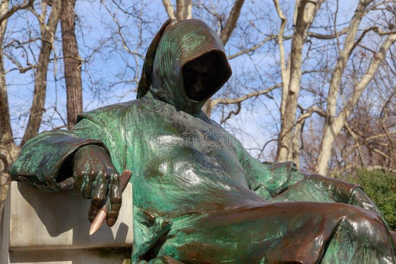 布达佩斯,匈牙利- 2018年3月25日:雕象匿名, Vajdahunyad城堡在布达佩斯,匈牙利 库存图片