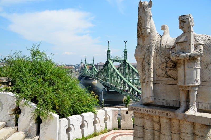 布达佩斯- Gellért小山和自由桥梁 免版税库存图片