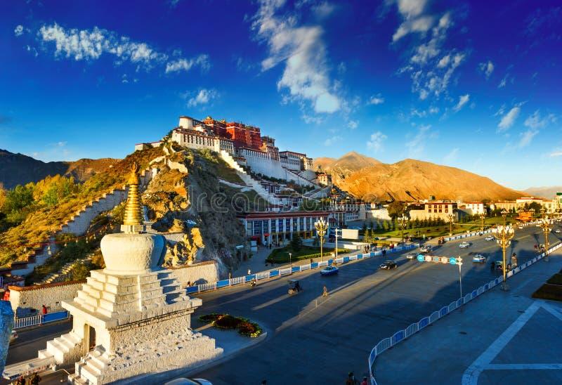 布达拉宫,在中国的西藏 库存图片