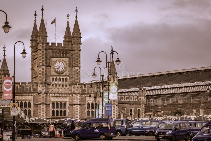 Download 布里斯托尔火车站 编辑类图片. 图片 包括有 极大, 西方, 汽车, 人们, 铁路运输, 地标, 著名, 城市 - 59101660