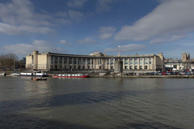布里斯托尔,英国,2019年2月21日,修造在布里斯托尔中部的莱斯银行总部 库存图片