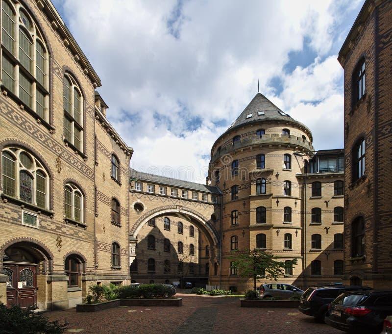 布里曼,德国- 2018年4月27日, -布里曼` s历史法院大楼内在庭院  库存图片