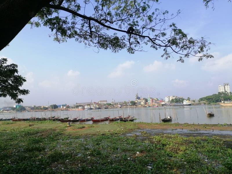 布里甘加河,带船,达卡 图库摄影