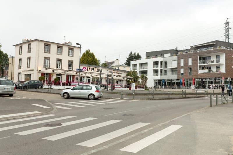 布雷斯特,法国2018年5月28日街道大厦汽车商店 图库摄影