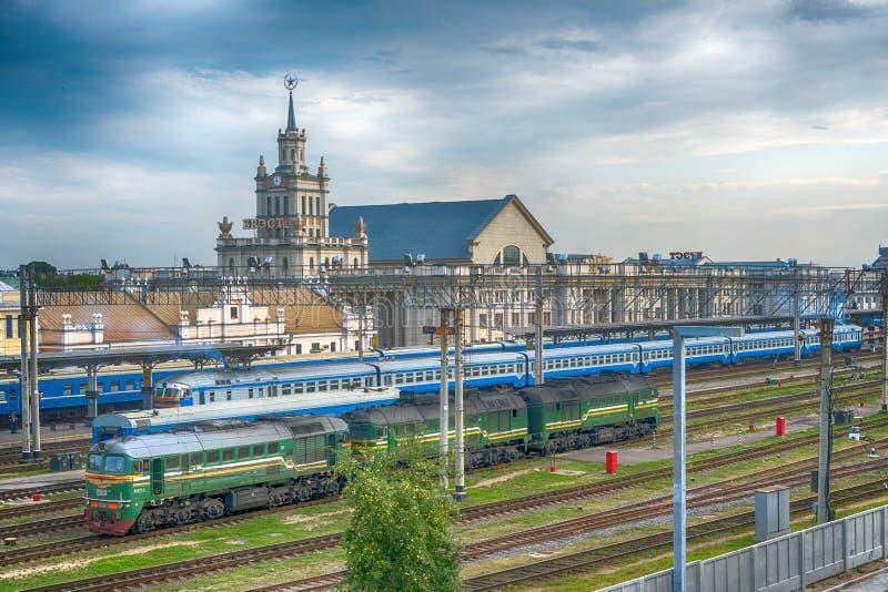 布雷斯特,白俄罗斯- 2018年7月30日:布雷斯特火车站,布雷斯特中央,布雷斯特Tsentralny火车站平台  免版税库存图片