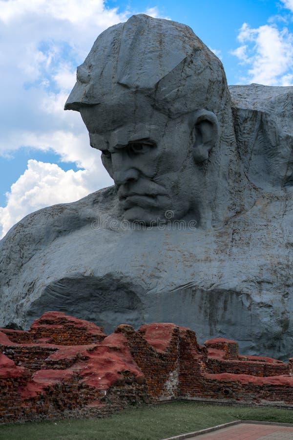 布雷斯特,白俄罗斯- 2018年7月28日:纪念复杂`布雷斯特堡垒英雄` 主要纪念碑`勇气 免版税库存图片