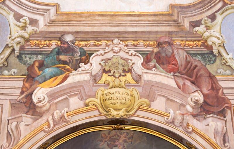 布雷西亚,意大利, 2016年:先知艾赛尔和耶利米壁画在基耶萨二圣玛丽亚della Carita 库存照片