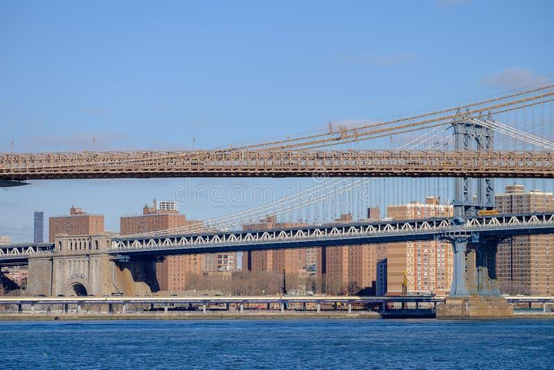 布鲁克林大桥和曼哈顿跨接跨过东方R 免版税库存图片