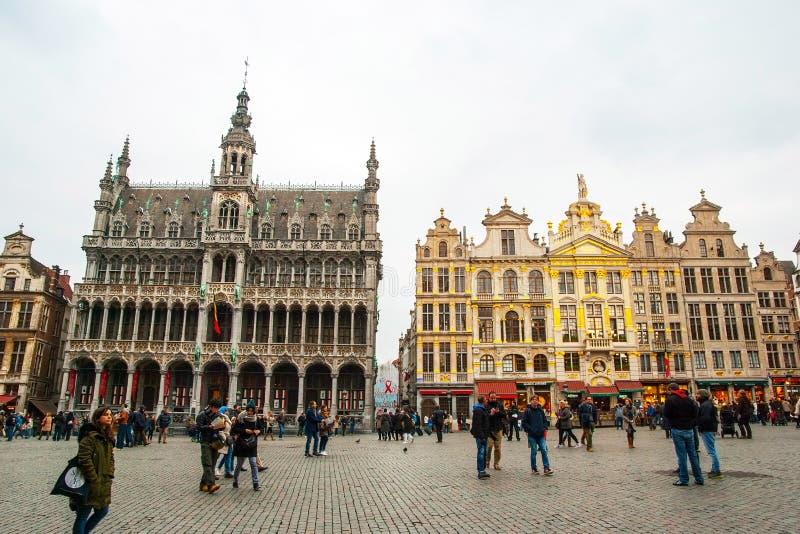 布鲁塞尔大广场和市政厅 库存照片