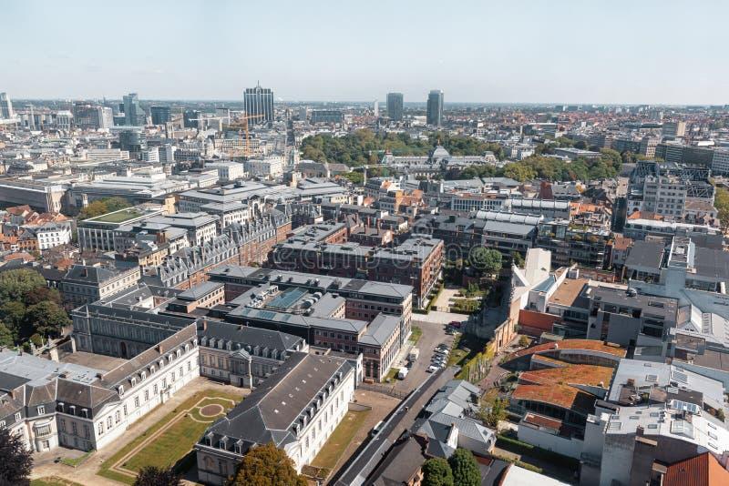 布鲁塞尔屋顶和街道  免版税库存照片