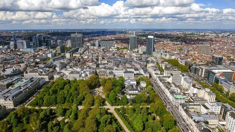 布鲁塞尔都市风景鸟瞰图财政区在比利时 免版税库存图片