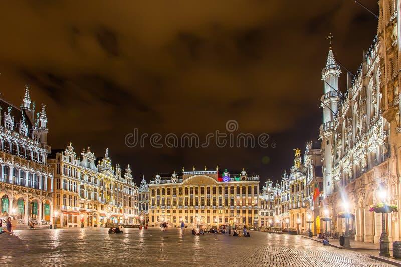 布鲁塞尔,比利时-大约2014年6月:布鲁塞尔盛大地方nignt的 免版税库存图片